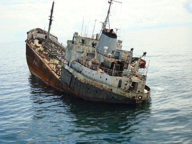 Five Oceans Salvage - Shipwreck in West Africa