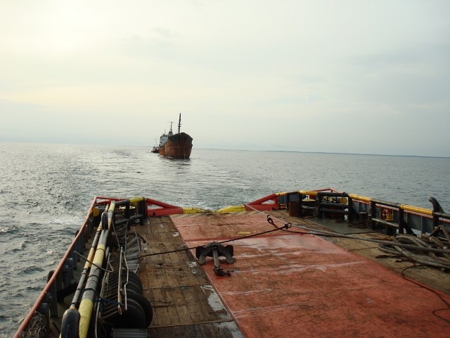 RED SEA FOS - Salvage operations in Douala, Cameroun