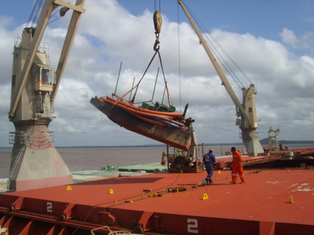 Five Oceans Salvage - Salvage team onboard MV HELLENIC SEA