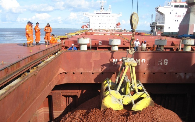 Five Oceans Salvage - Lightering operation MV HELLENIC SEA