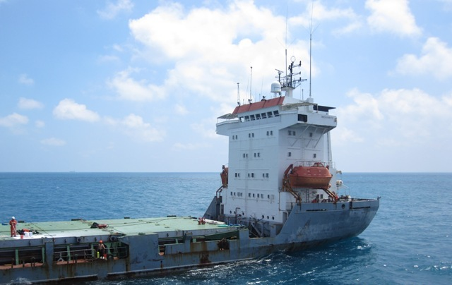 Five Oceans Salvage - Salvage operation MV MACEDON