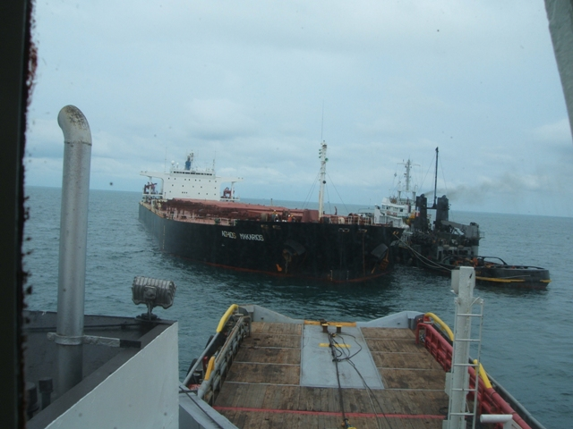 Five Oceans Salvage - Providing assistance to MV AGHIOS MAKARIOS