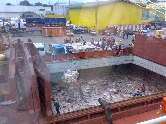 Five Oceans Salvage - Discharge operation MV ALKISTIS