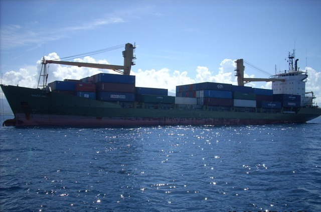 Five Oceans Salvage - Approaching MV ENDEAVOUR