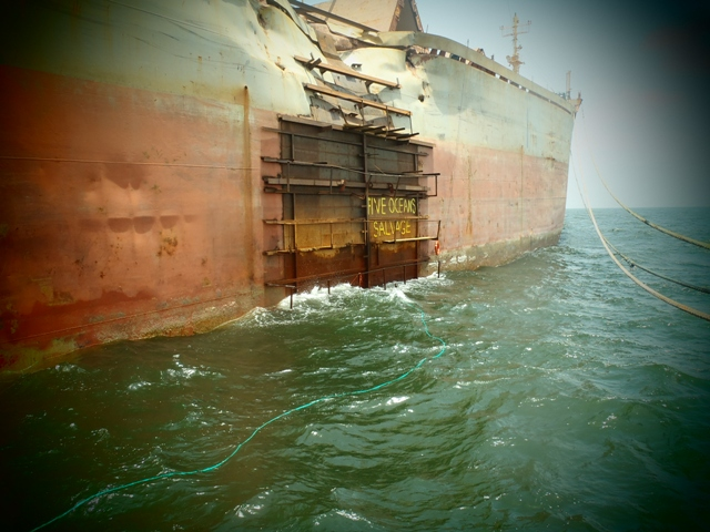 Five Oceans Salvage - MV FREE NEPTUNE salvage operation