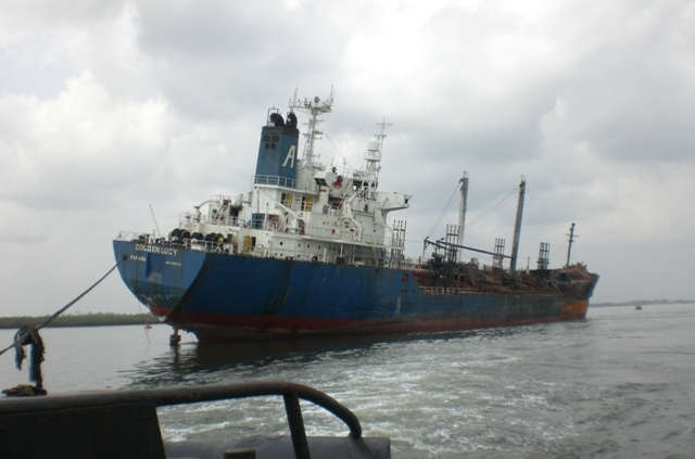 Five Oceans Salvage - MV GOLDEN LUCY salvage operation