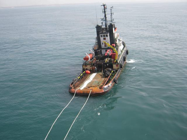Five Oceans Salvage - MED FOS establishing towing connection