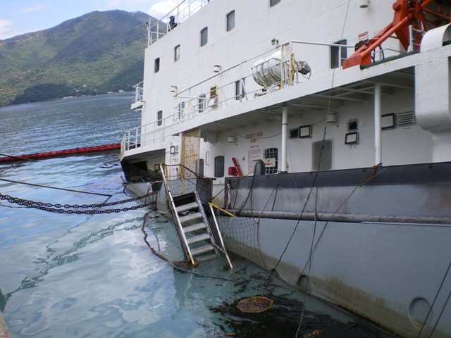 Five Oceans Salvage - Refloating of MV MEXICA