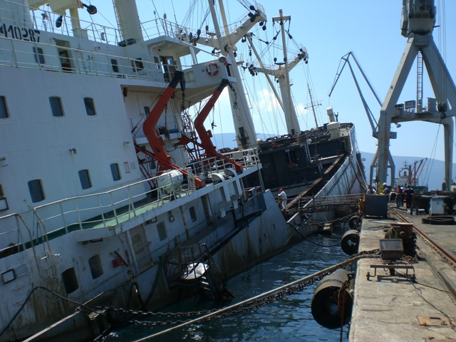 Five Oceans Salvage - Partly sunken MV MEXICA
