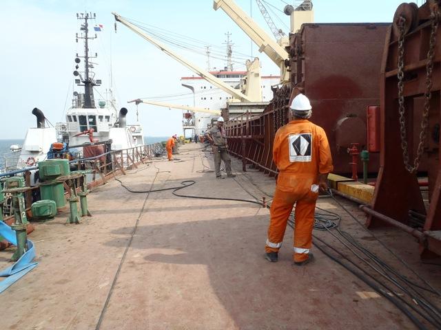Five Oceans Salvage - Salvage team onboard MV RENOS