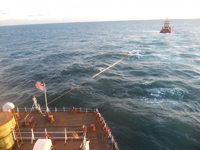 Five Oceans Salvage - MV VICTORIA refloating attempt