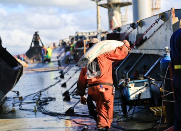 Five Oceans Salvage - Salvage team onboard MV BENITA