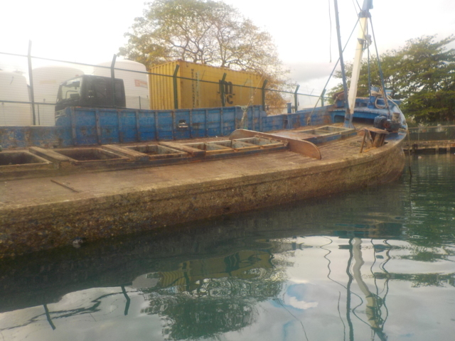 Five Oceans Salvage - Refloating of sunken vessels in Port Louis, Mauritius
