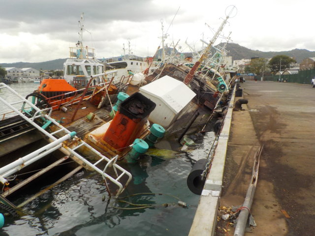 Five Oceans Salvage - Refloating operations in Port Louis, Mauritius